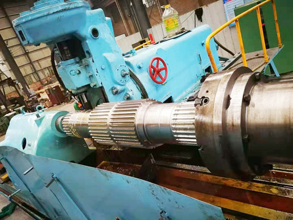 Large module gear cutting machine